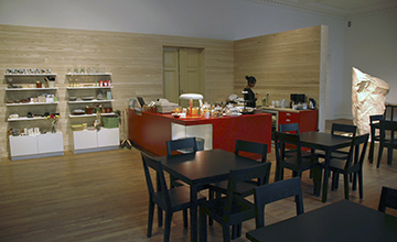 Butik, reception, kafé